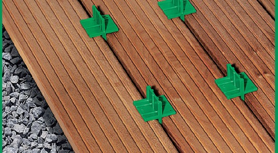 Narzędzia SPAX do montażu tarasu drewnianego.